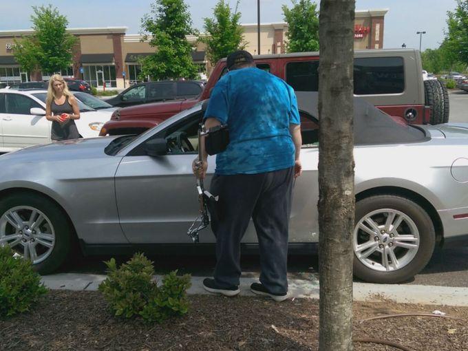 hombre salva perro de auto 2