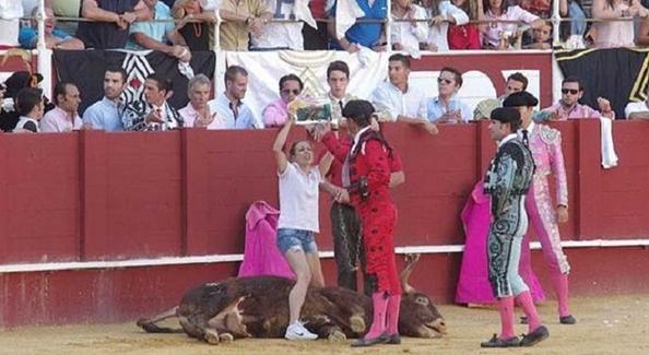 mujer-toro