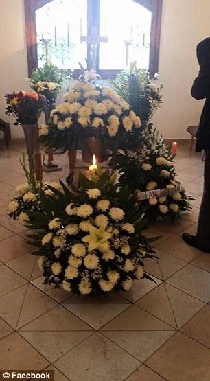 perros asisten a funeral 2