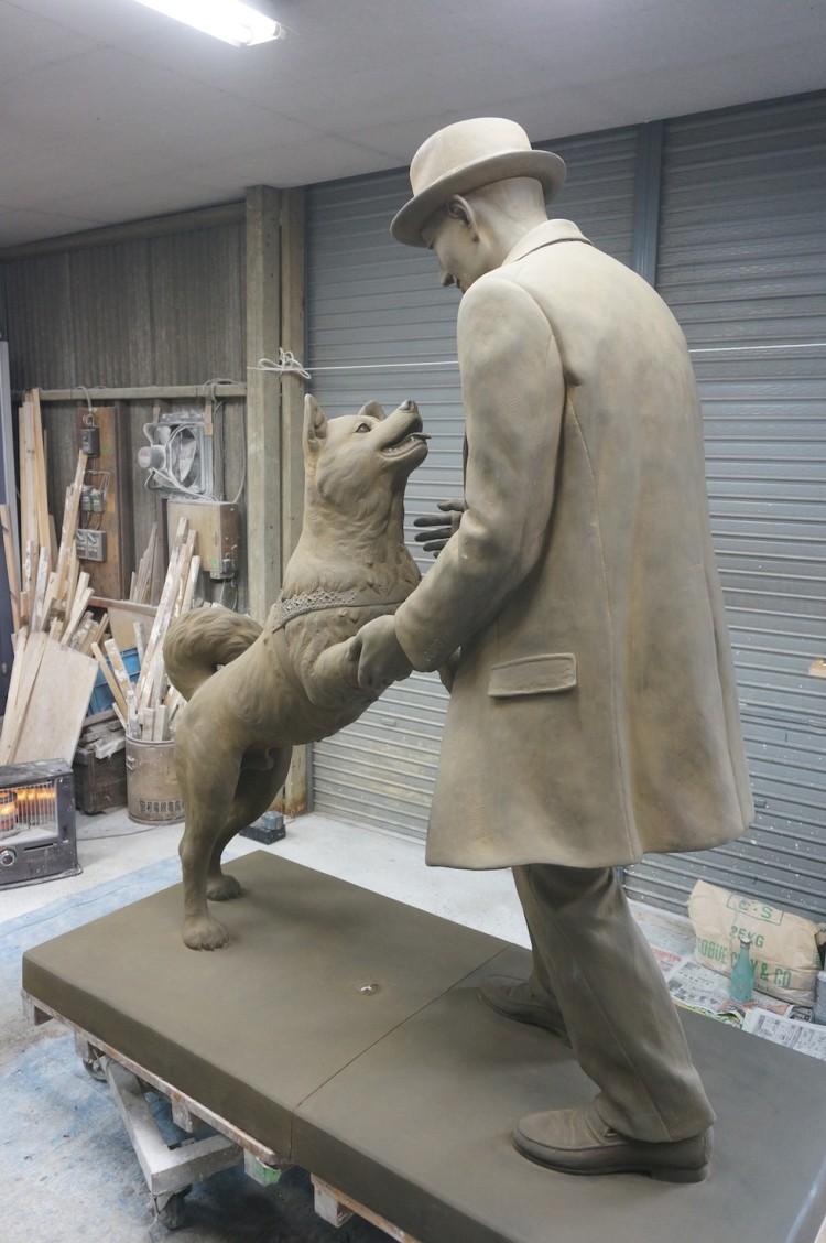 estatua hachiko 4