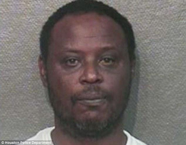 hombre condenado houston tortura animal