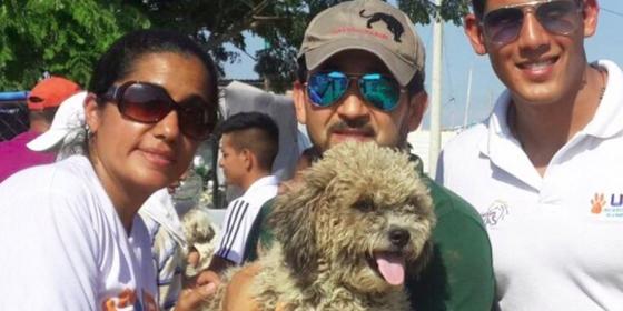perro-adoptado-despues-de-terremoto-ecuador2
