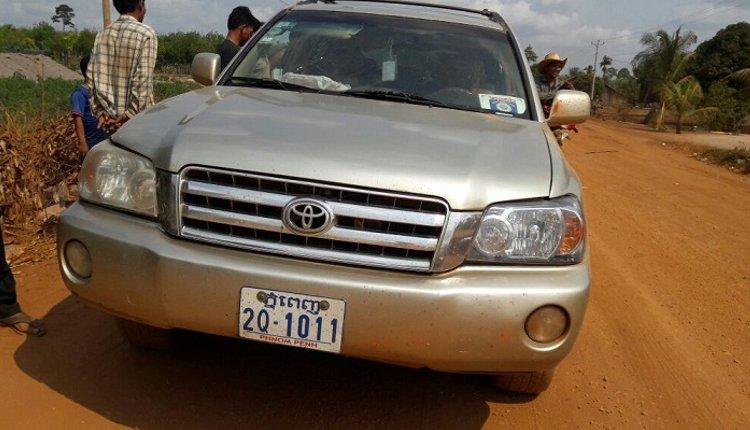 43 monos salvados camboya coche 2