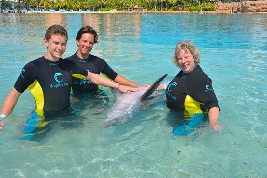 Nadar-con-delfines 1