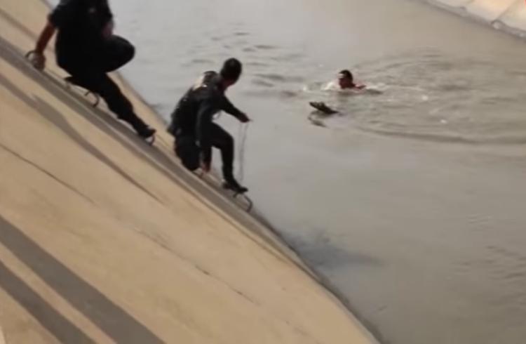 Rescate-perro-canal-Peru 6