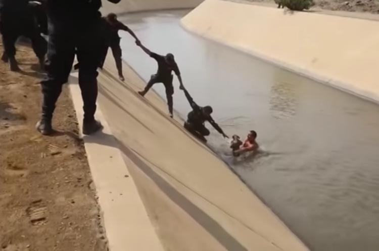 Rescate-perro-canal-Peru 7
