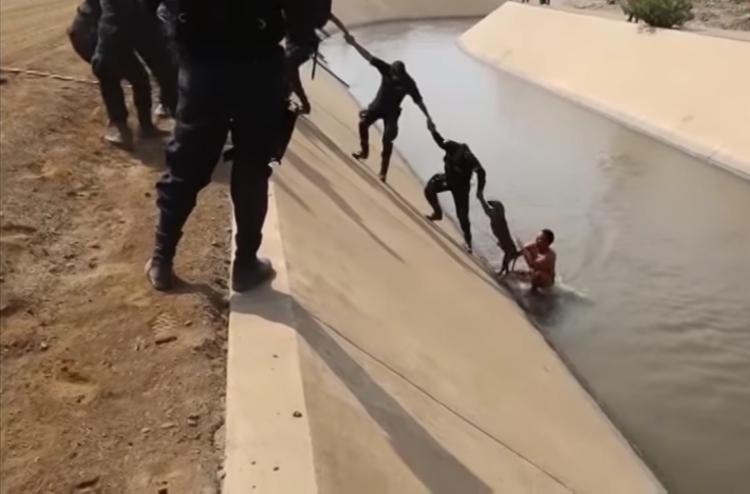 Rescate-perro-canal-Peru 8