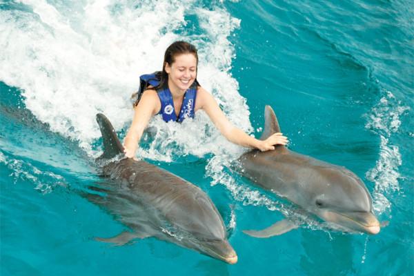 delfines-nadan-hoteles-caribe1113