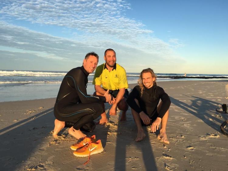 Surfers-salvaron-ballena-Australia 1