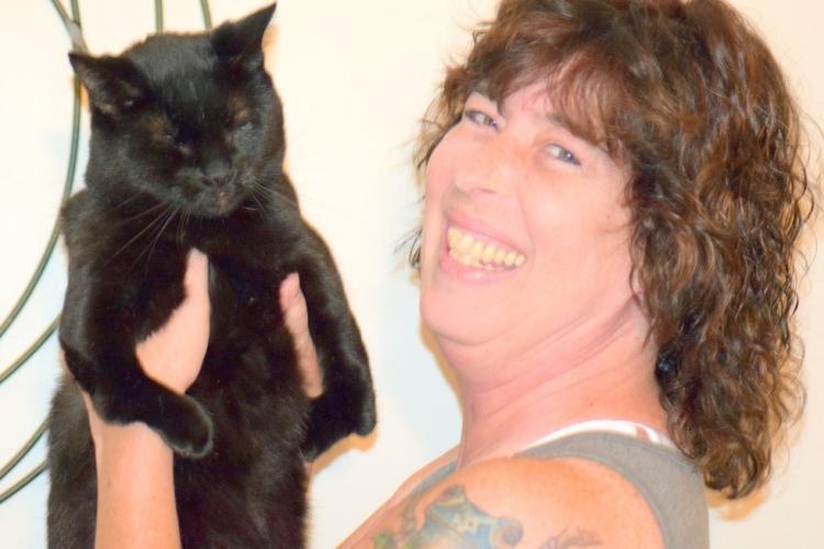Walter-gato-con-deformidad 2