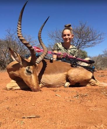 nina-caza-animales-y-publica-fotos-en-facebook2