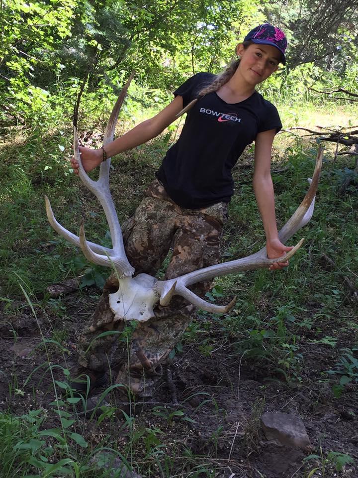 nina-caza-animales-y-publica-fotos-en-facebook9