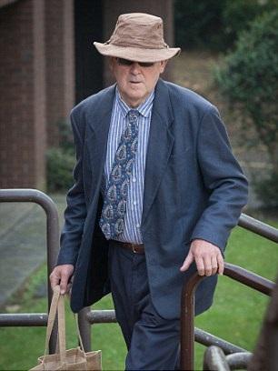 hombre-de-65-anos-acusado-de-dejar-sus-tres-perros-en-el-auto-murieron-exposisicion-al-calor-1
