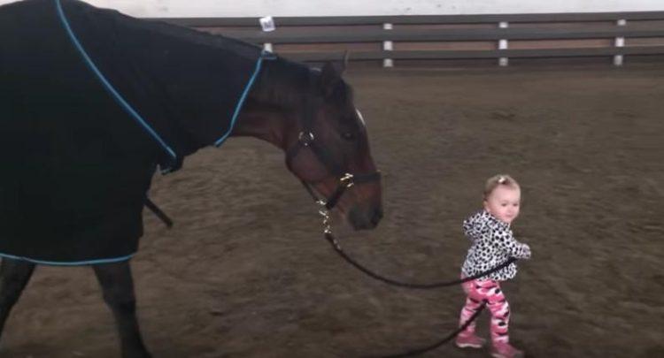 nina-pasea-caballo-6