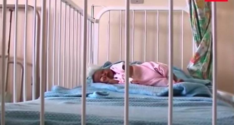 Perra salva bebe en Kenia